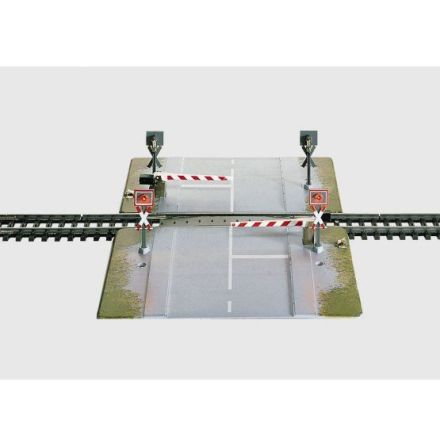 7592 Fully Automatic Railroad Grade Crossing