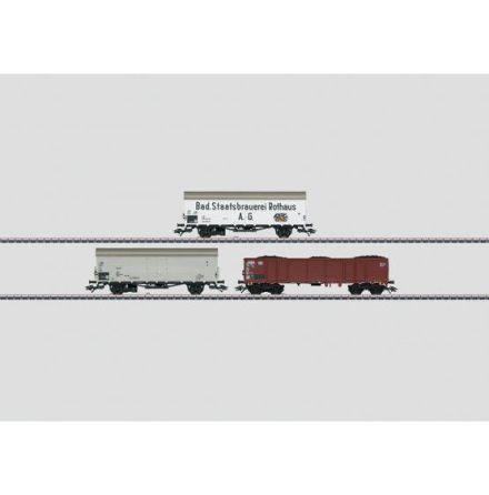 00767 Display med 12 godsvagnar