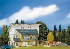 130302 Hus med solpaneler