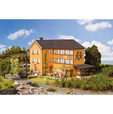 130908 Vingård med trädgårdsrestaurang