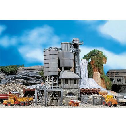 130951 Gammal betongfabrik