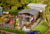 180491 Koloniträdgård med stuga