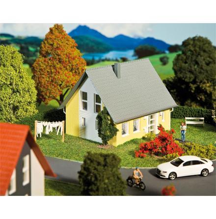 130317 Fristående hus gult
