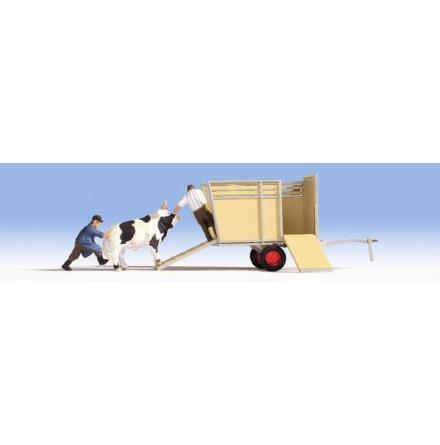 N16650 Bull transport, 2 figures + 1 animal