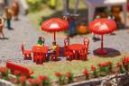 180910 Parasoller,bord och bänkar